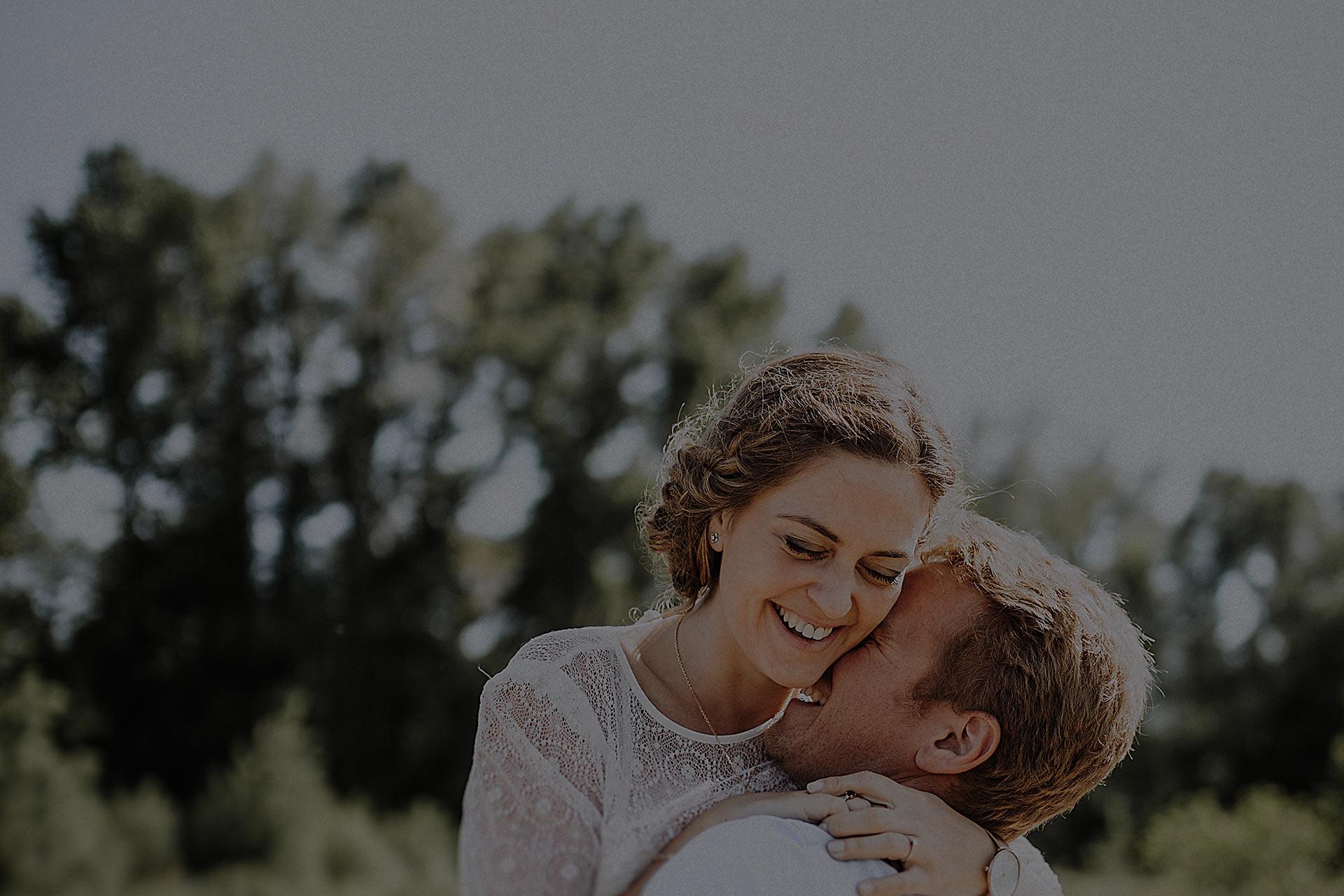 Séance photo de couple et engagement à Tours avant votre mariage — Tarifs et prestations